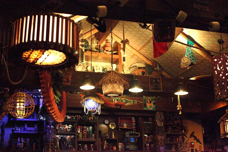 disney world trader sams
