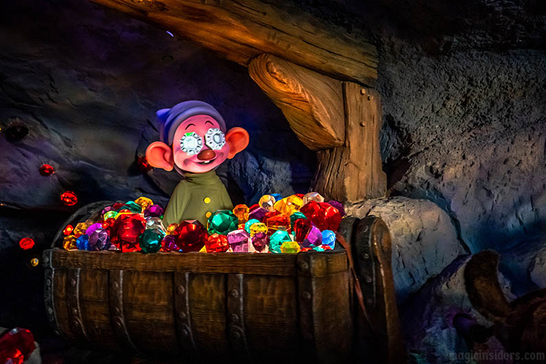Seven Dwarfs Mine Train Dark Inside